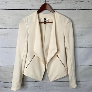 H&M Divided Blazer Draped Open Front in Cream